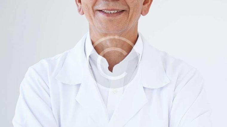 Dr. Jeison  Smith